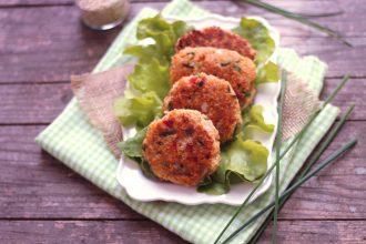 croquette de quinoa au poivron rouge et à la feta