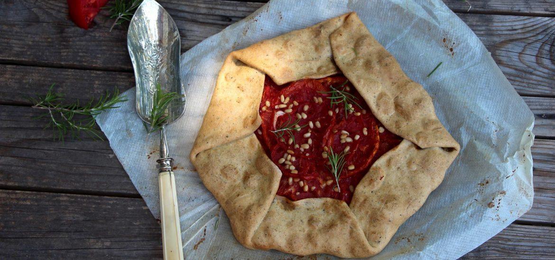 tarte rustique à la tomate vegan et sans gluten