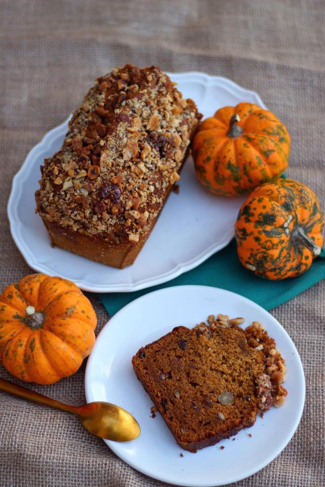 pumkin and spices halloween vegan cake