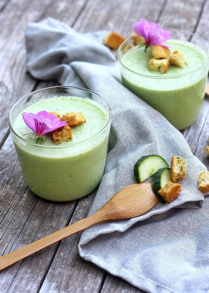 soupe glacée au concombre et à la menthe