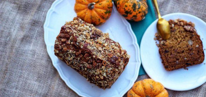 pumkin and spices halloween vegan cake