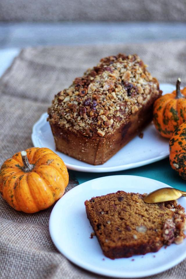 pumpkin and spices halloween vegan cake