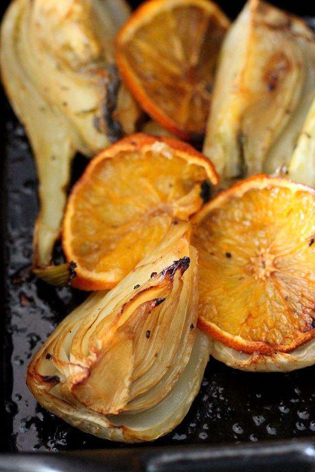 Fenouil rôti au four avec de l'orange